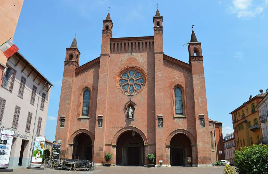 Duomo di Alba Image